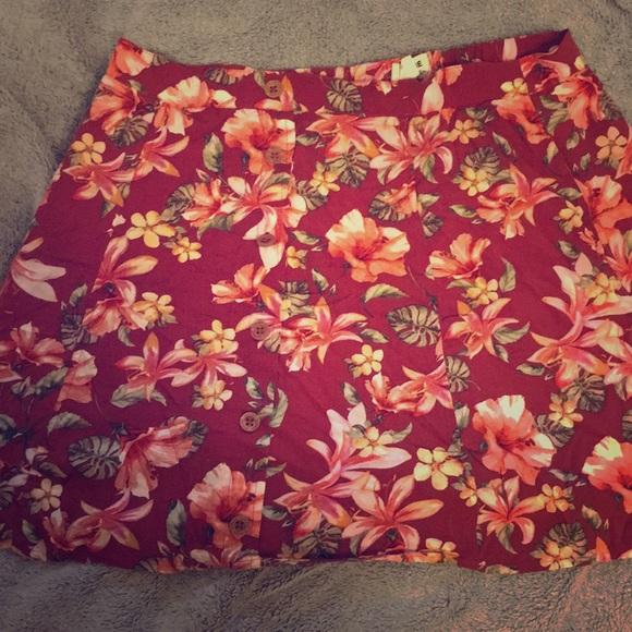 Garage Dresses & Skirts - Stretch skirt with pockets